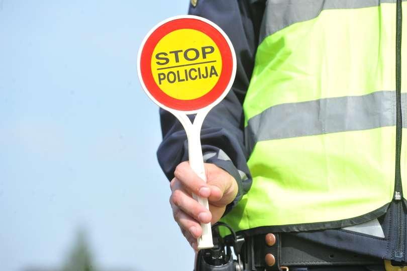 Kazni so prevečkrat posledica slabo spisanih zakonov uradnikov, ki nikoli ven iz svojega ugodja niso šli.