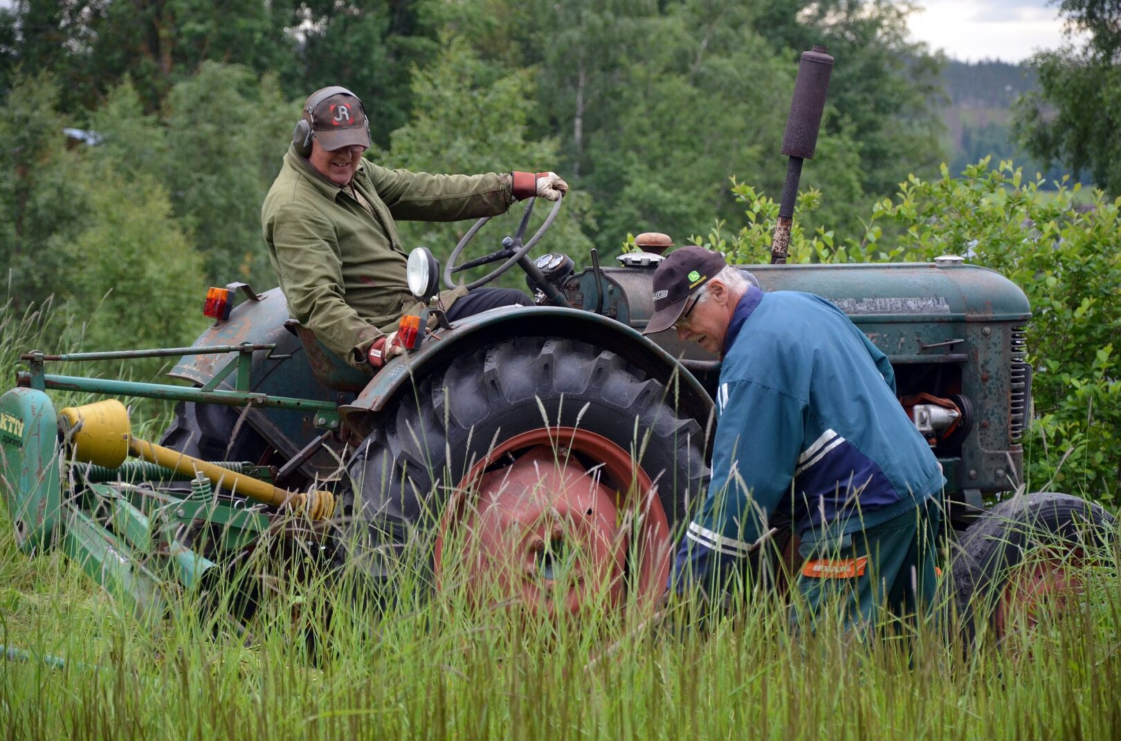Težava v kmetijstvu ni traktor, ampak nizke pokojnine in nizke odkupne cene.