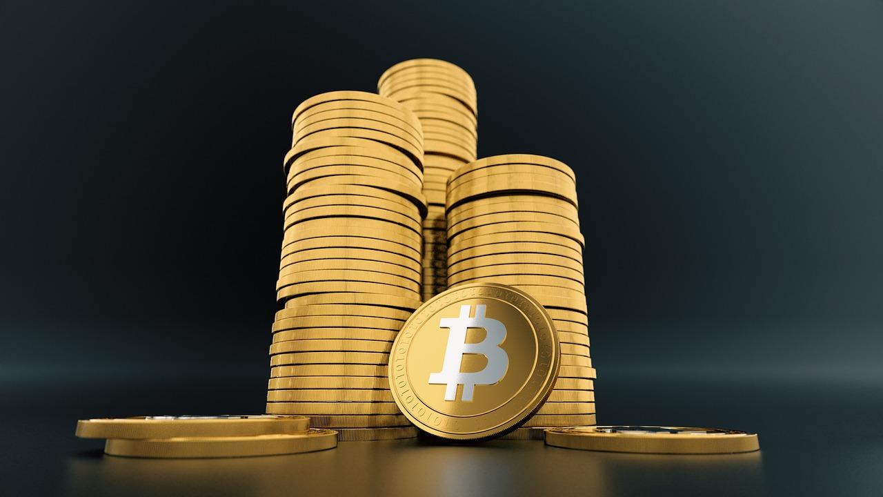 Digitalizacija vpliva na finančno industrijo.