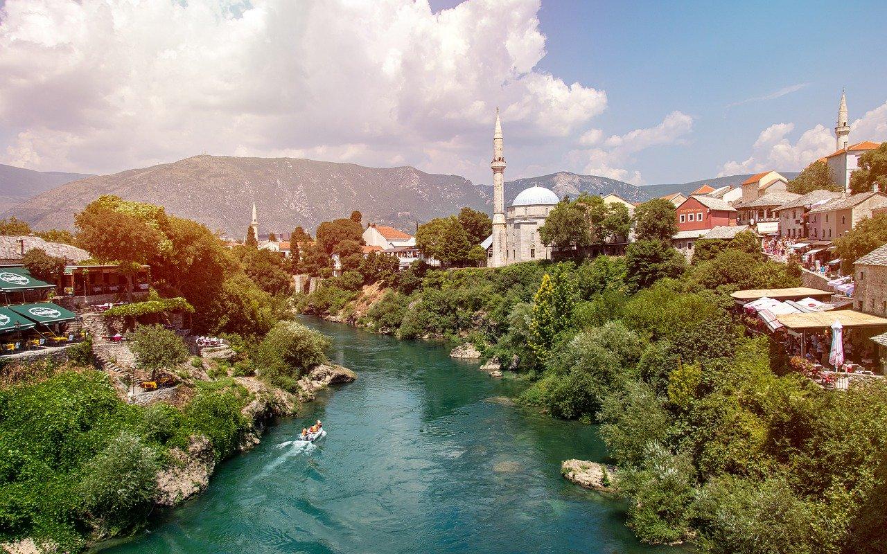 Najbogatejše in najrevnejše države v Evropi Bosna.