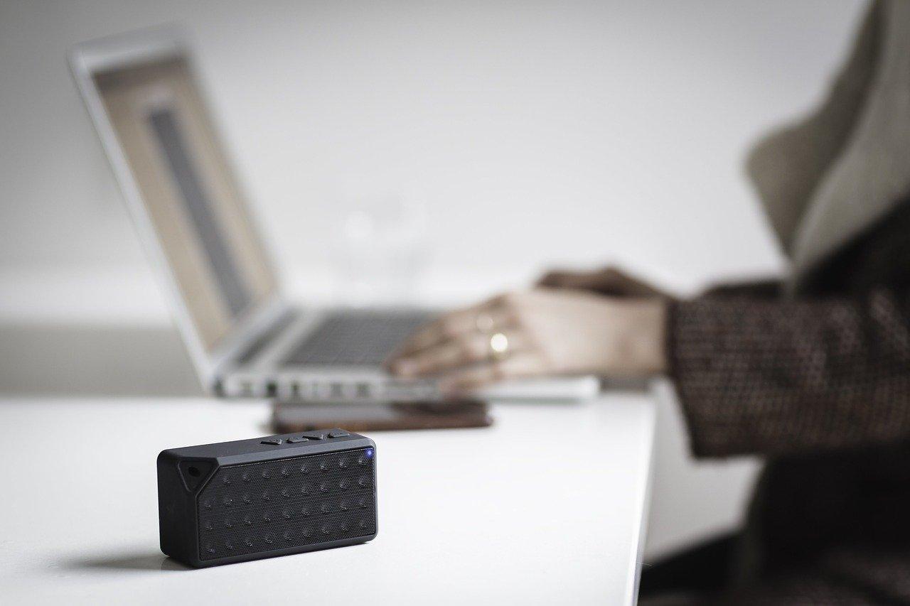 Bluetooth zvočnik je idealen za popestritev tegobnih dni