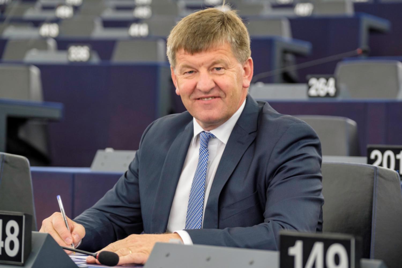 Franc Bogovič: Tratimo dragoceni čas! Fajonova obremenjuje Evropski parlament in EU.