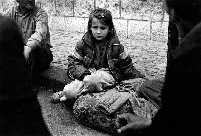 Begunci iz Balkana so bili v večini otroci in ženske.  Migranti, ki zdaj želijo v Evropo pa so mladi moški, katerih namen je neznan.