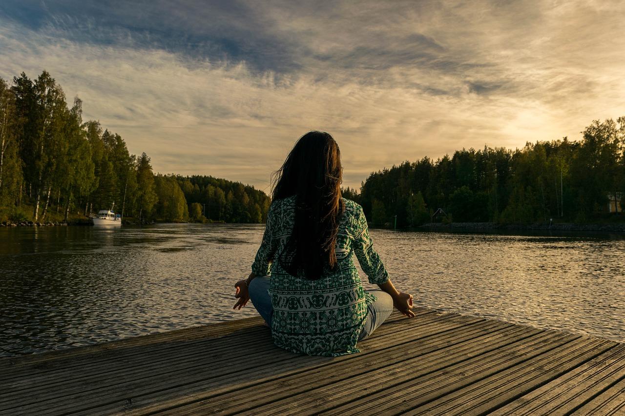Meditacija zmanjšuje stres.