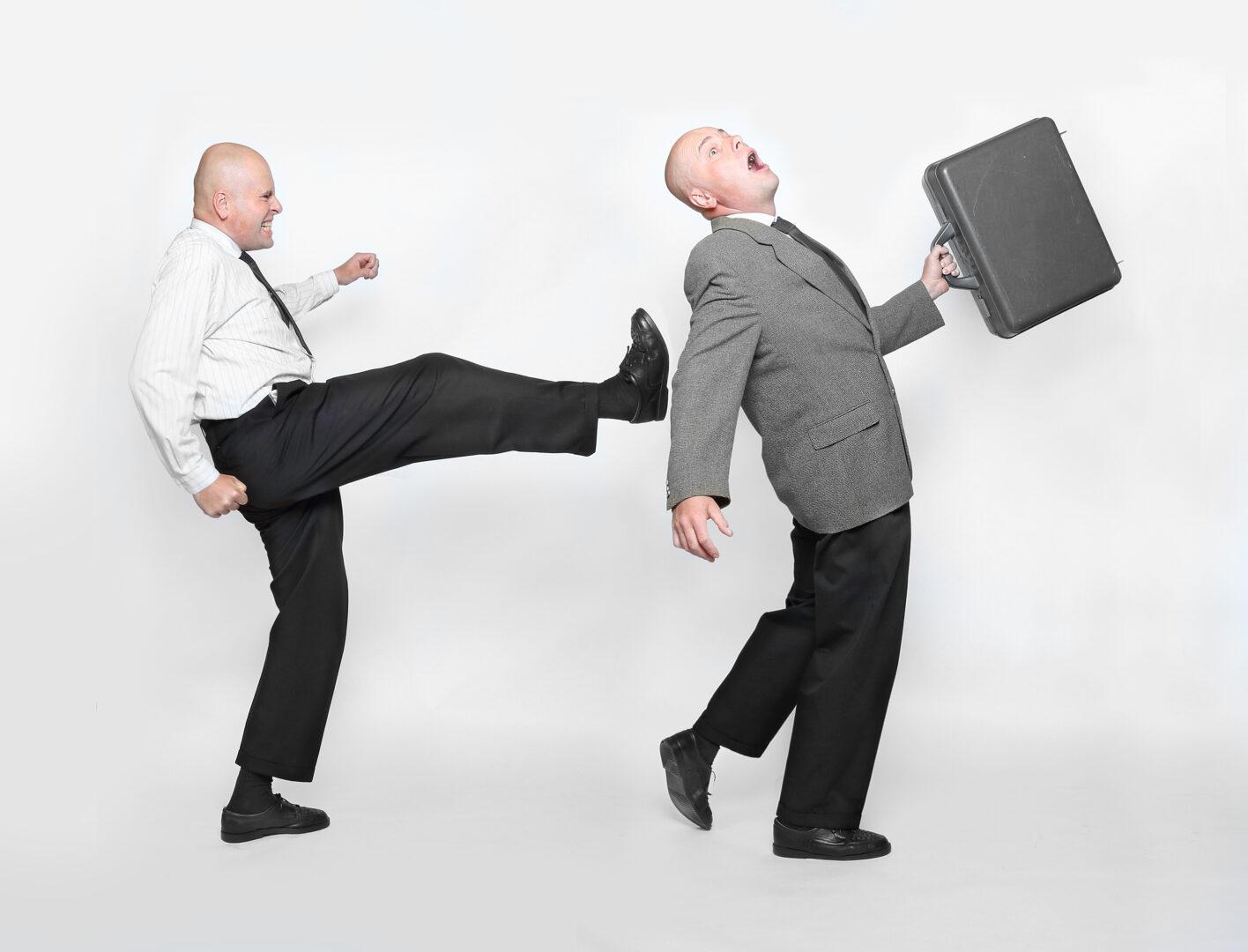 Če delodajalec delavcu priskrbi primerljivo delovno mesto za nedoločen v istem podjetju ali v pri drugem delodajalcu, potem mu ni dolžan izplačati odpravnine  .