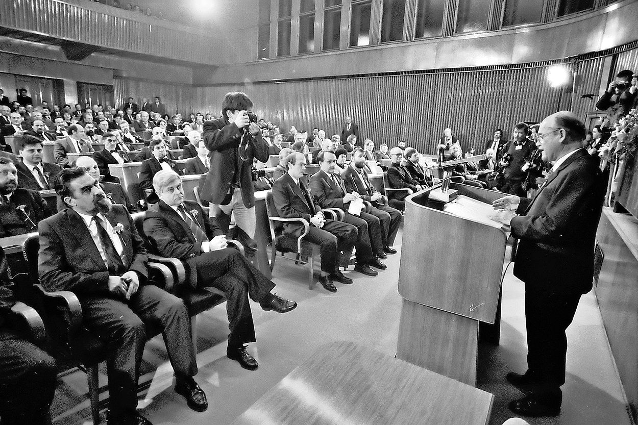 Na dan razglasitve plebiscita je tedanji predsednik Demosa in »oče« plebiscita rezultate opisal z besedami: »Jugoslavije ni več, zdaj gre za Slovenijo«.