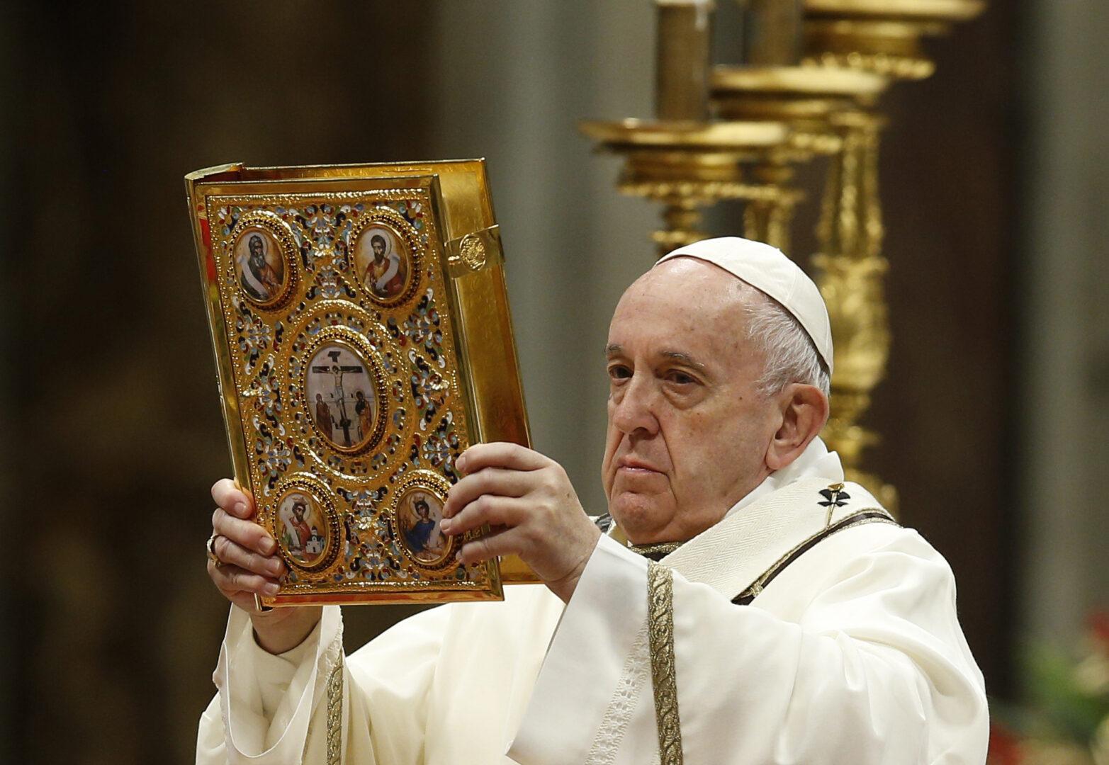 Poleg poskusa nad transparentnostjo si papež Frančišek tudi prizadeva, da bi denar, ki ga Cerkev pridobiva in upravlja, izviral iz poštenih finančnih virov.