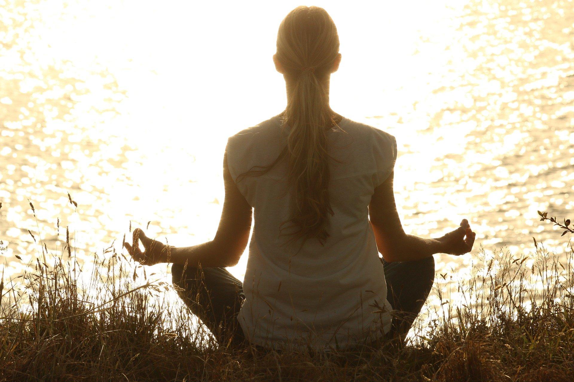 Meditacija za stik z ljubljeno rajno osebo