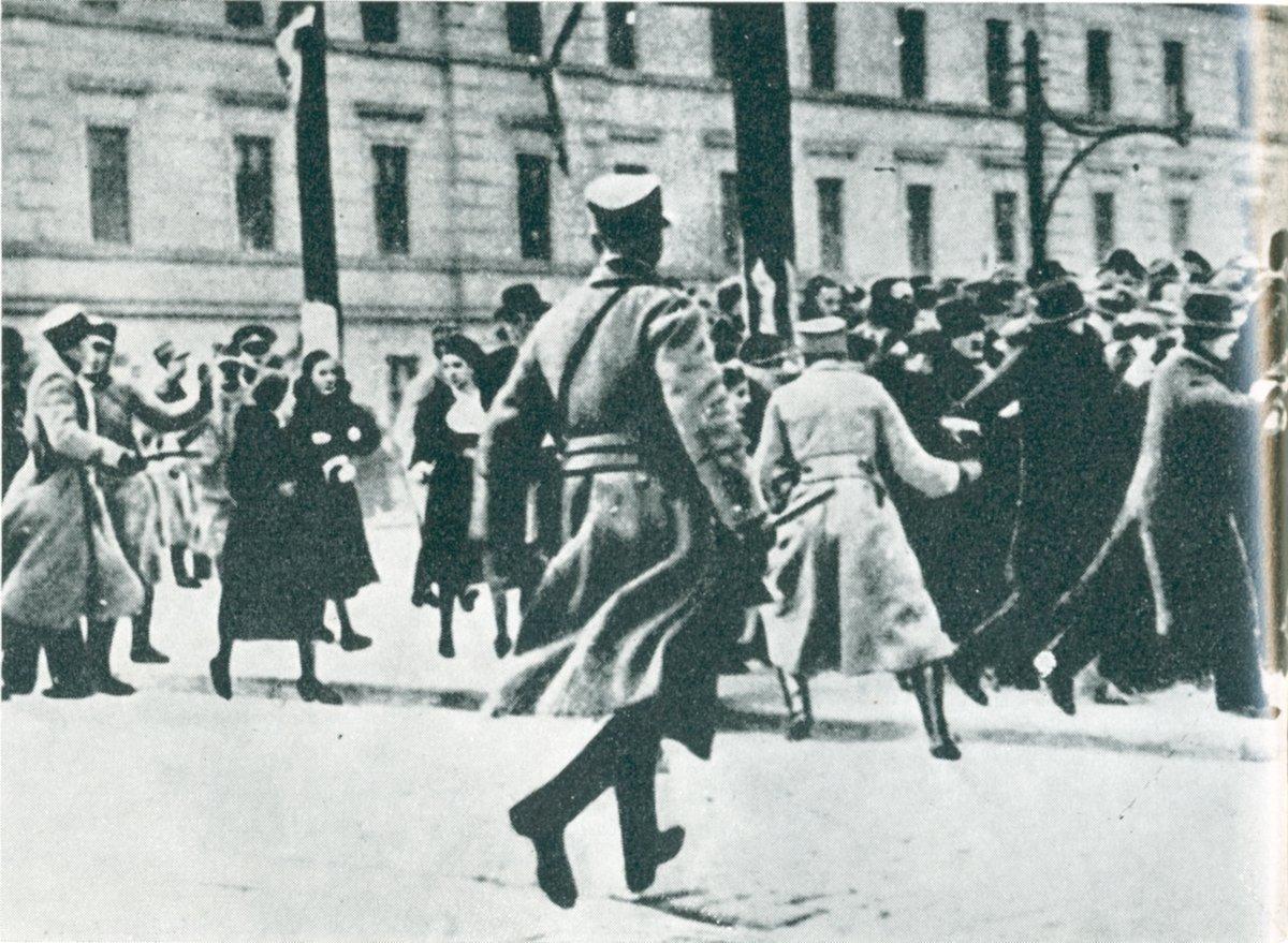 Tudi 100 let nazaj so bili protesti del vsakdana.