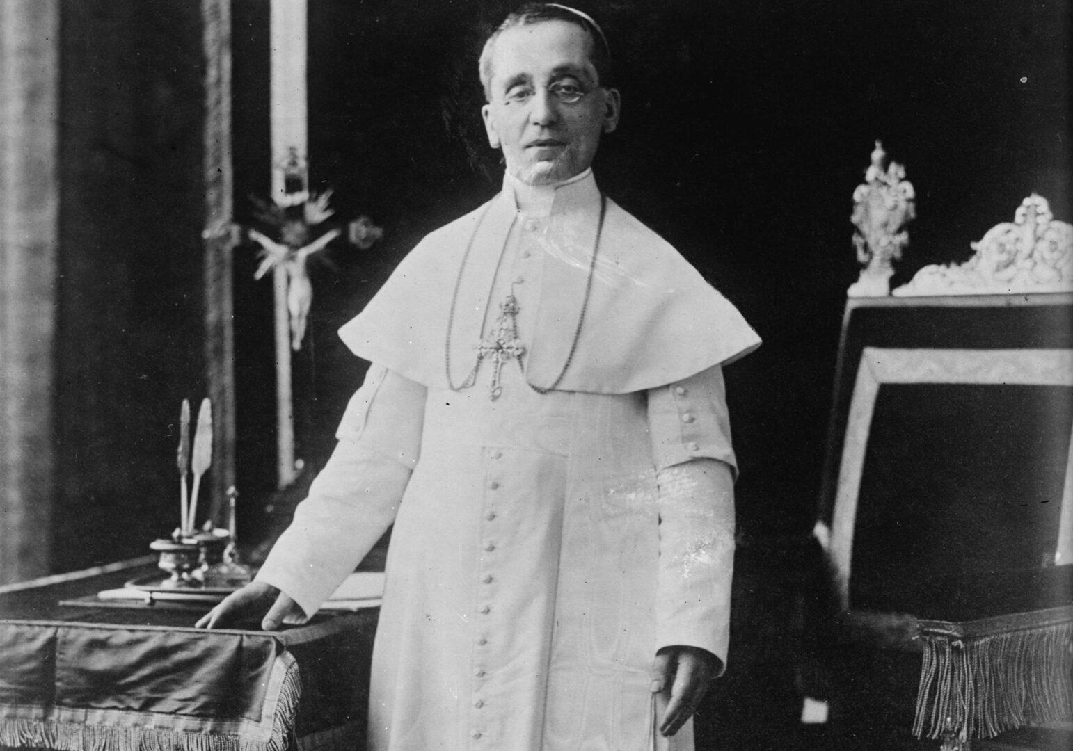 Papež Benedikt XV. si je prizadeval za svetovni mir že med prvo svetovno vojno.