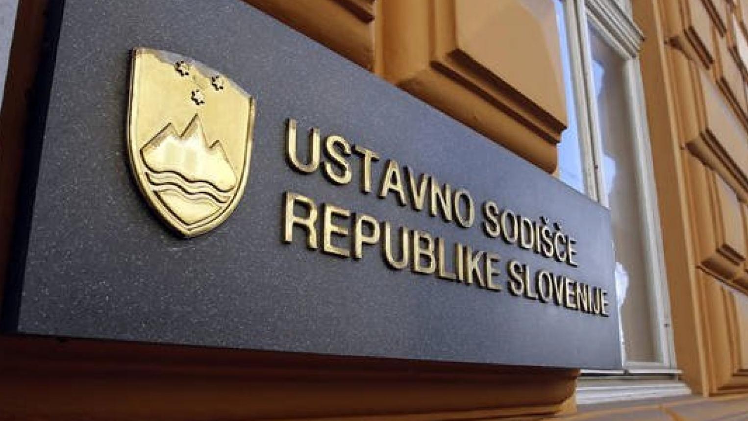 Bodo v Sloveniji boj z epidemijo odločili pravniki?