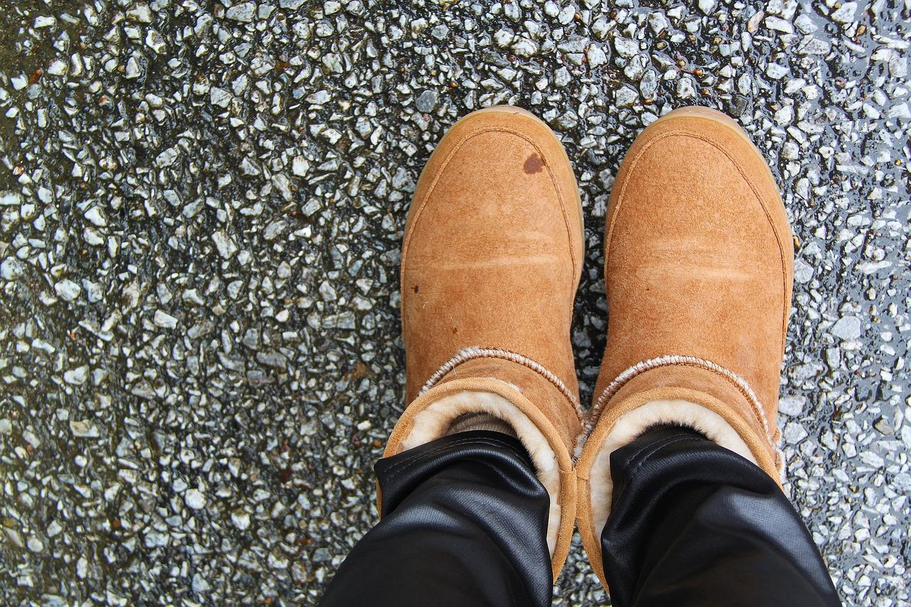 Volneni zimski čevlji.