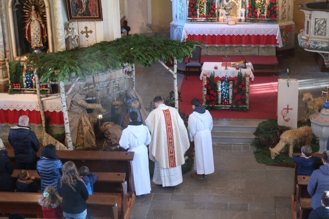 Cerkev na Slovenskem in njeno »delo na črno«