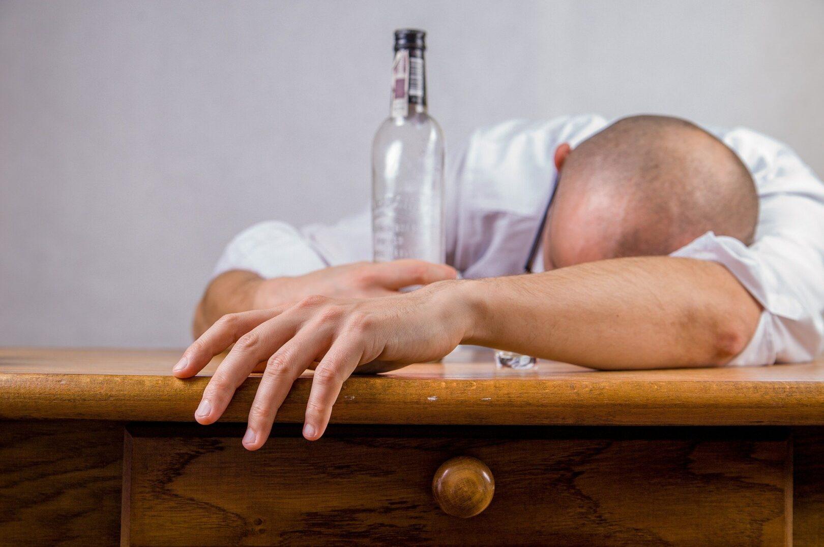 Med najpogostejše vzroke in povode za umor lahko štejemo zagotovo alkohol in druge psihoaktivne substance.