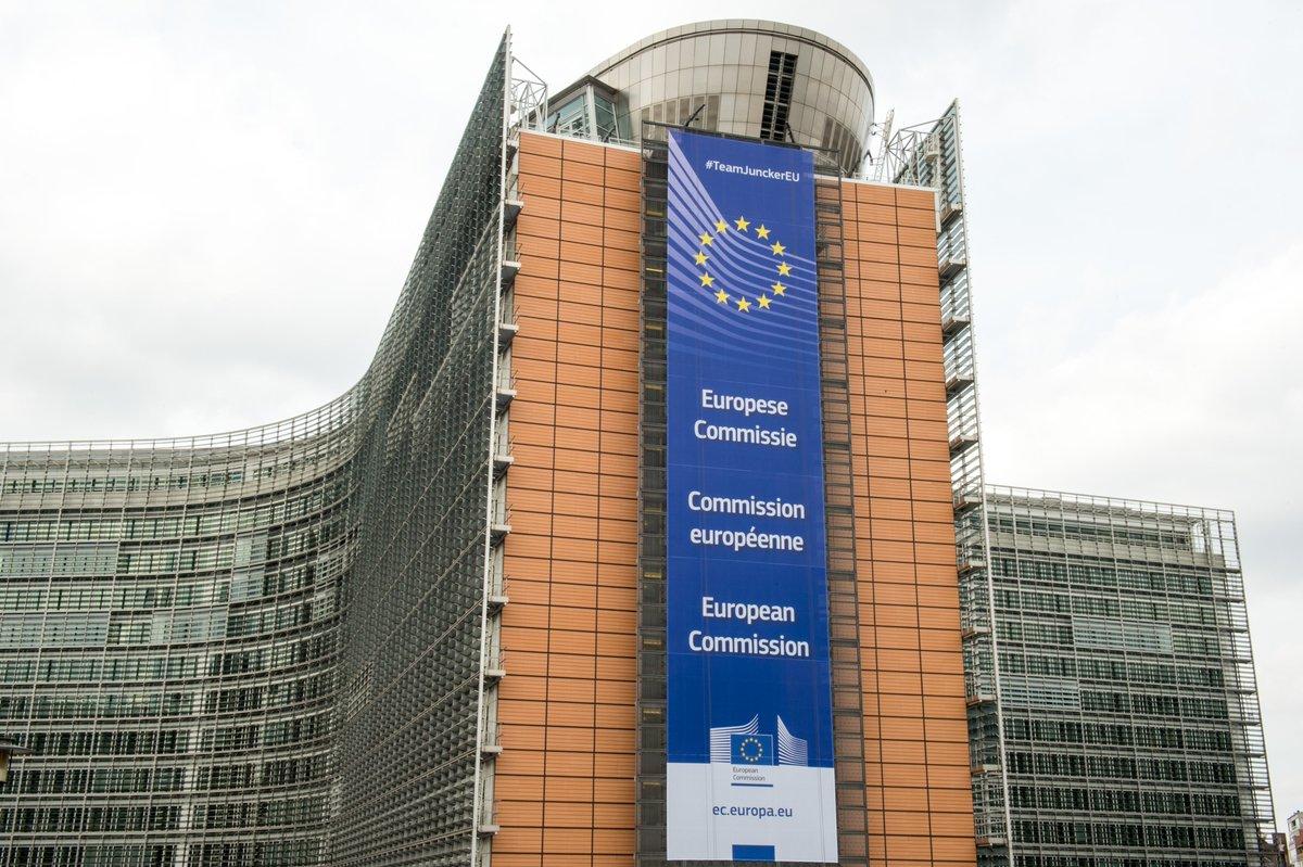 Službe Komisije so večinoma v Bruslju in Luxembourgu, a predsedništva ima v vsaki državi EU.