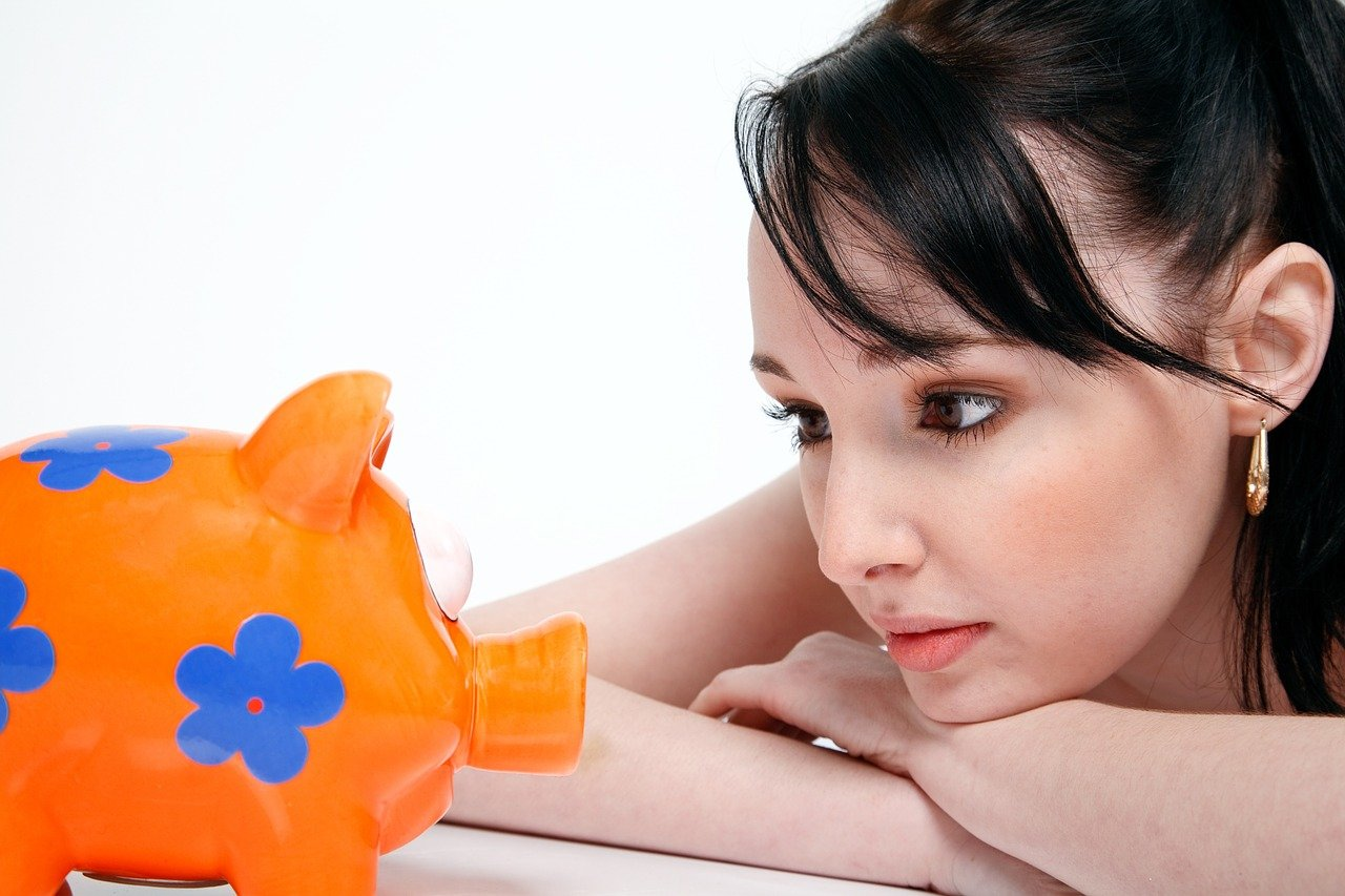 Pomanjkanje finančne pismenosti ima namreč uničujoč vpliv na potrošniške kreditne ocene odraslih.