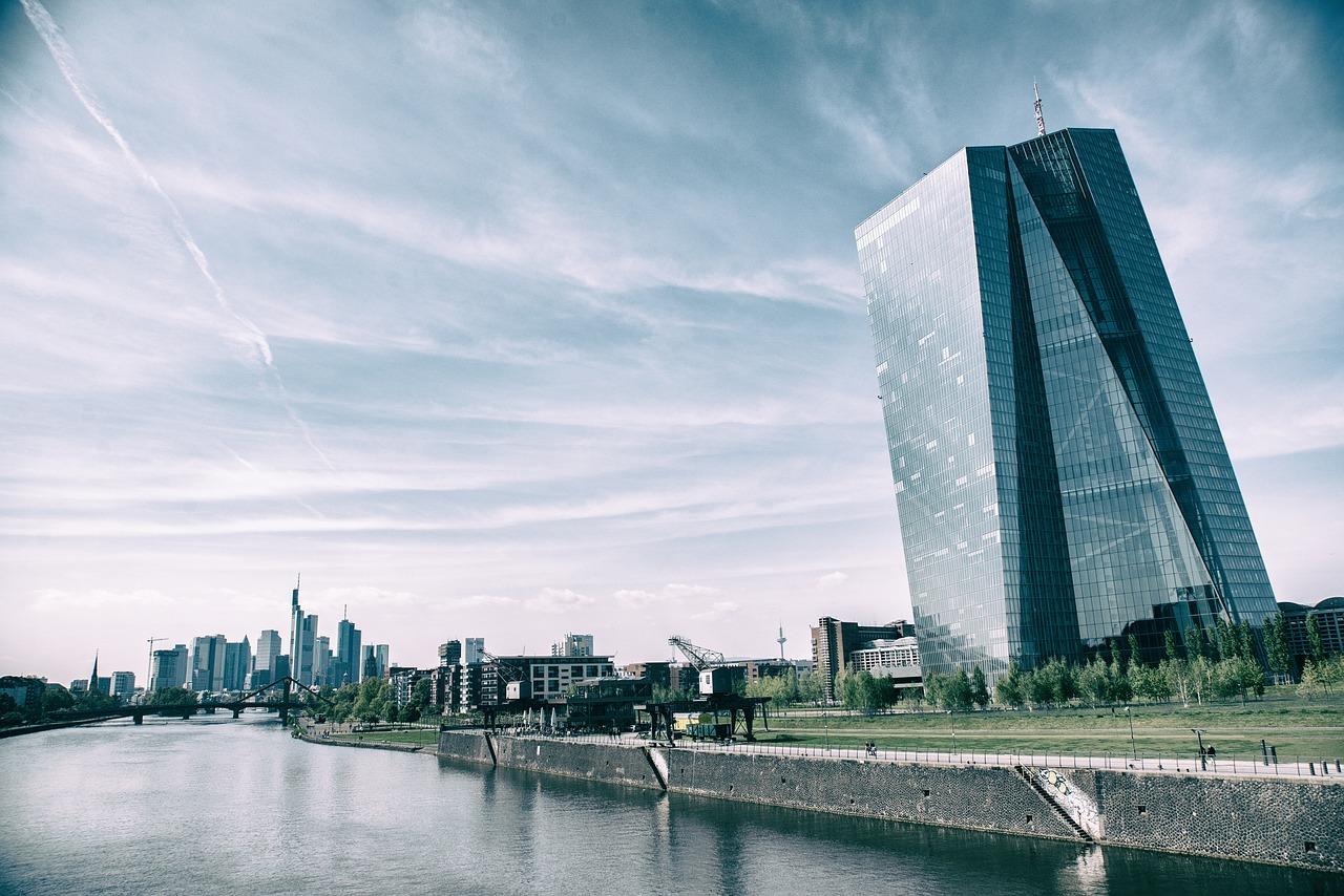 Ležarine za fizične osebe je začela uvajat Evropska centralna banka.