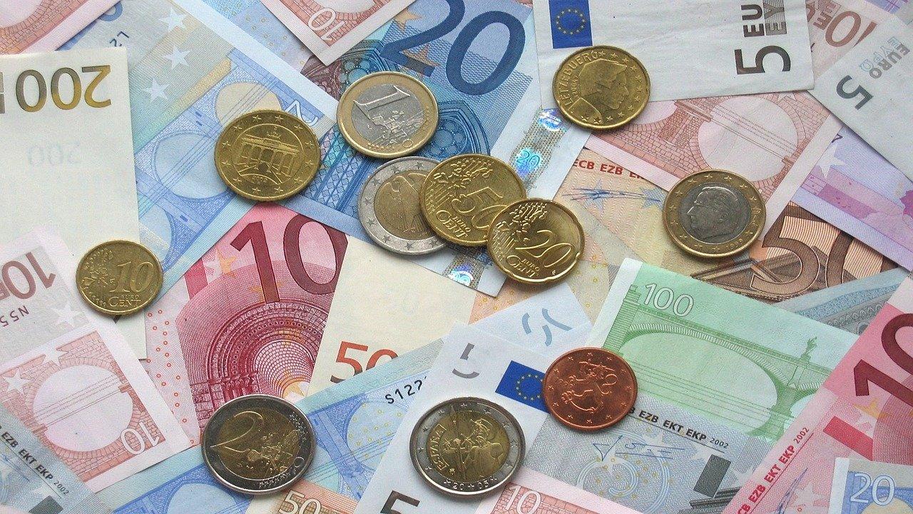 Ležarine za fizične osebe za depozite nad 100.000 evrov.