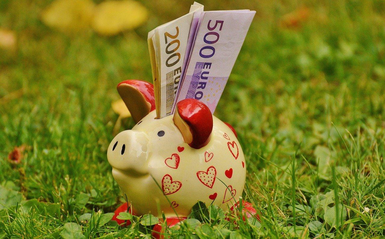 Varčevanje na banki bo treba plačati