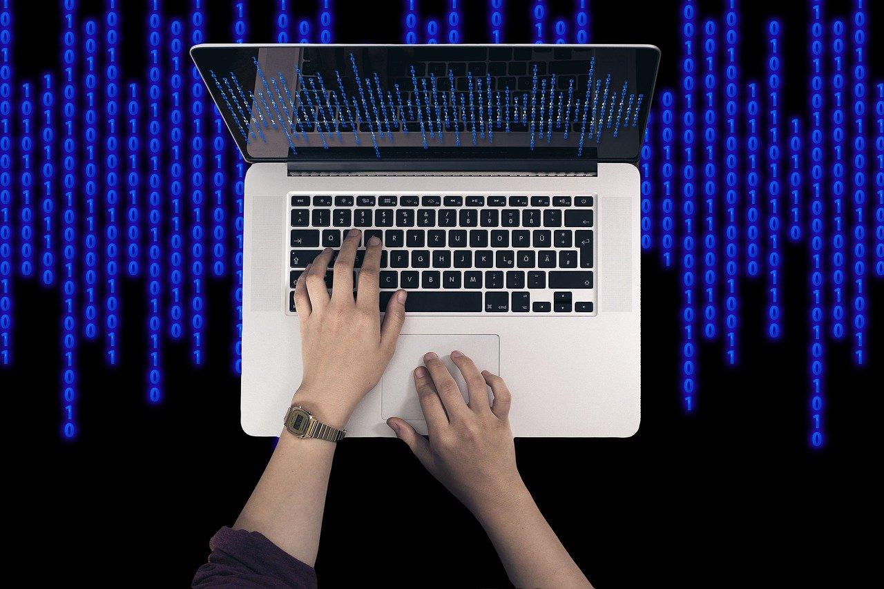 Računalniški virus lahko onemogoči antivirnusni program.