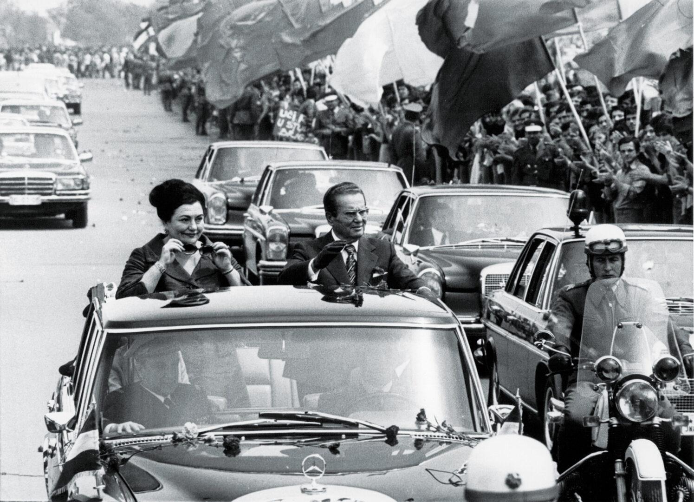 Mnogi so menili, da je Tito več kot bog. Ni bilo važno kakšno je bilo stanje v državi, pomembno je bilo, da  se je verjelo v Titovo vsemogočnost in nesmrtnost.