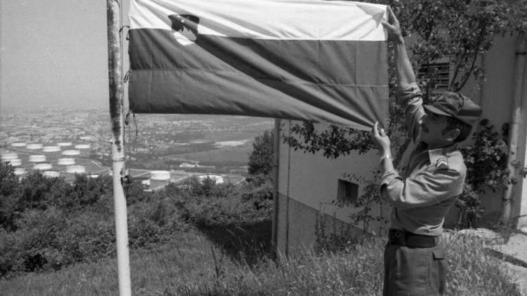 Čestital nam je grof iz Južne Tirolske, ki nas je med obiskom poleti 1991 spraševal, kako smo izpeljali osamosvojitev – da jo izpeljejo še južni Tirolci.