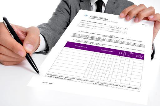 Vlogo za uveljavljanje posebne olajšave za vzdrževane člane lahko oddate preko mobilne aplikacije eDavki  elektronsko, preko storitev elektronskega poslovanja FURS eDavki, osebno ali po pošti pri pristojnem finančnem uradu.