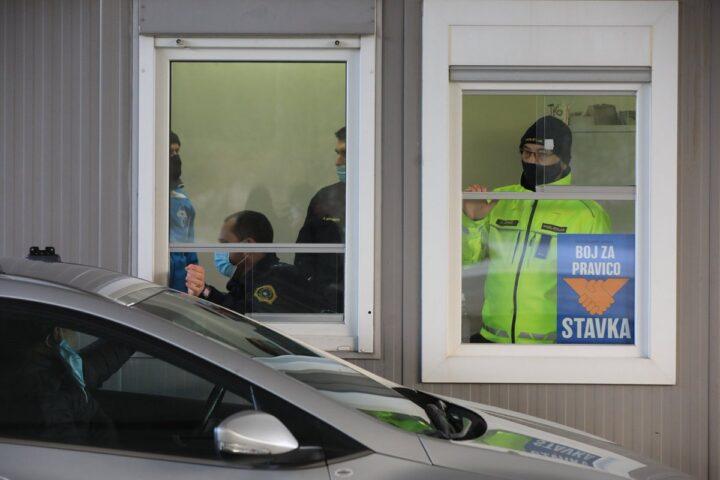 Ali je stavka policistov v režiji PSS upravičena ali le politični konstrukt?