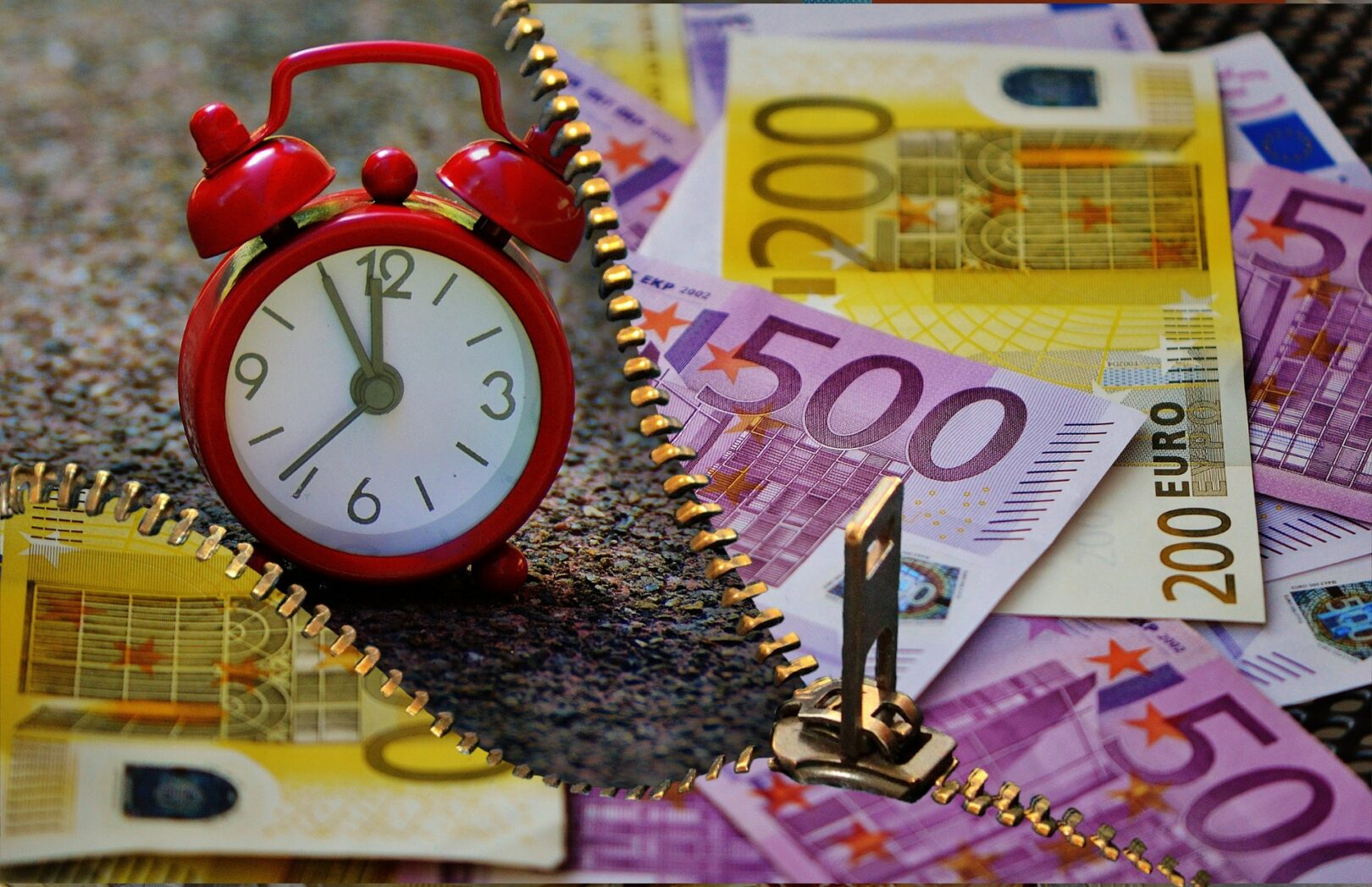 Od izplačila kriznega dodatka v višini 200 evrov se ne obračunajo in ne plačajo prispevki za socialno varnost niti akontacija dohodnine.