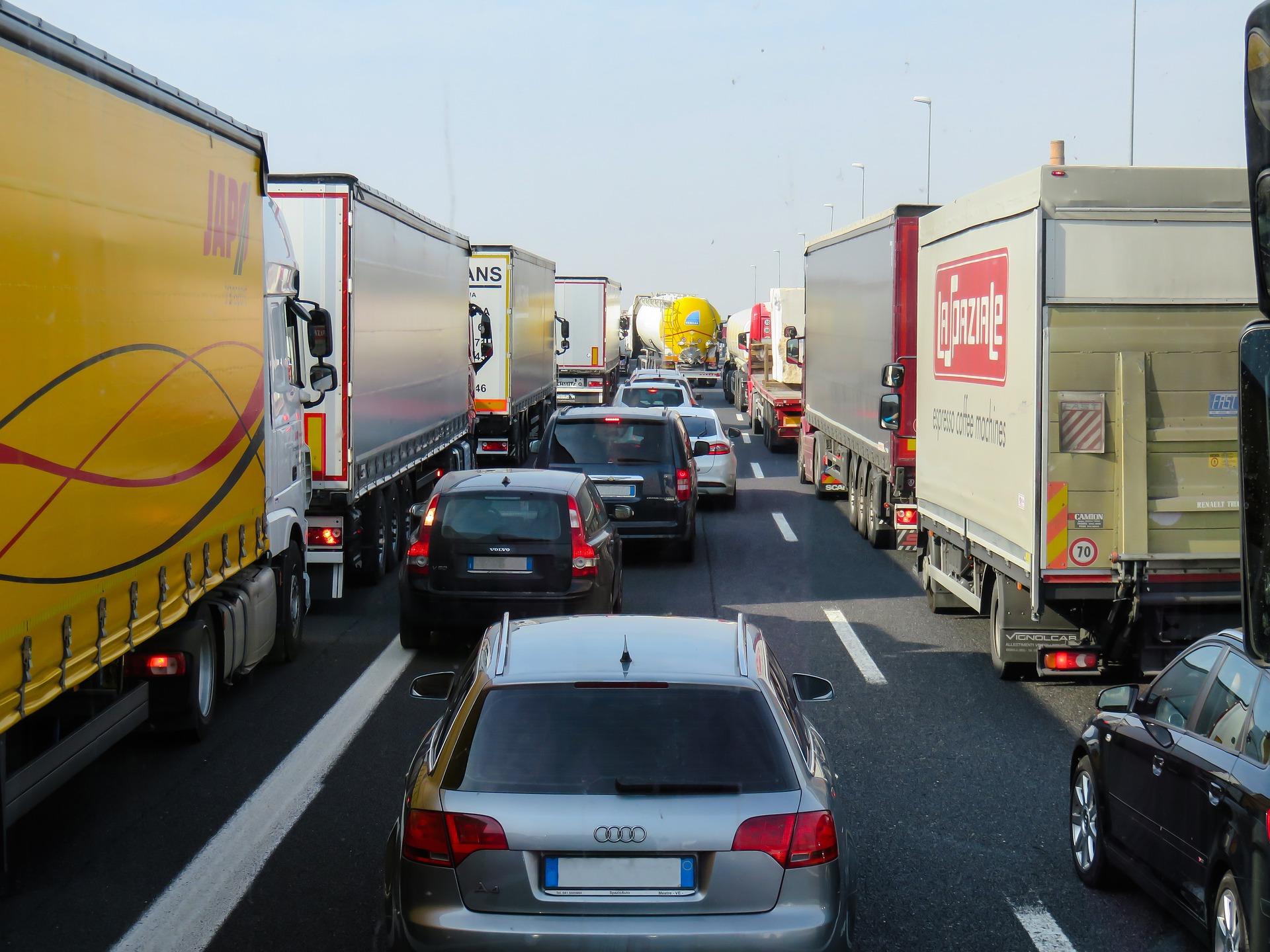 Kaj nam prinašajo nova pravila v cestnem prometu?