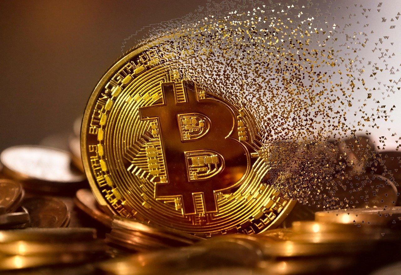Vrednost bitcoina spet padla pod 50.000 ameriških dolarjev