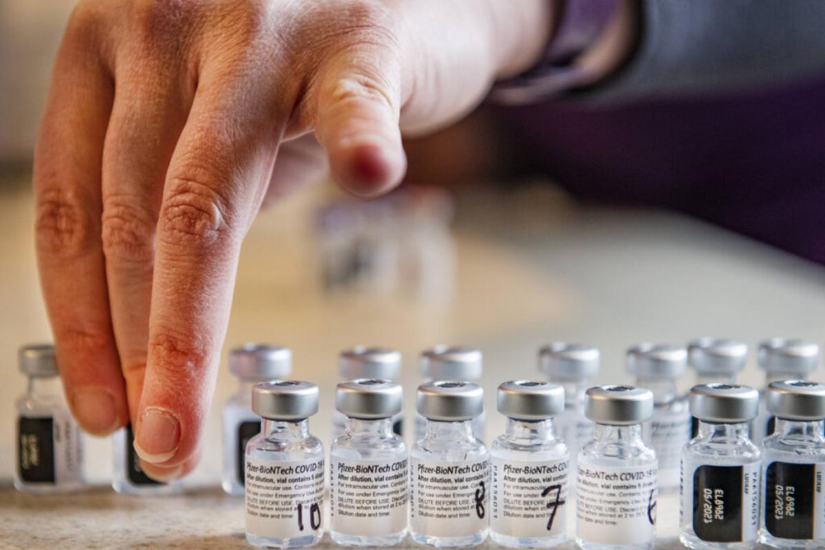 Trenutno najboljše rezultate dajeta cepivi Novavaxa in Janssena.