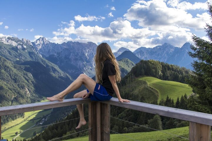Kaj se je dogajalo s slovenskim turizmom v letu 2020?