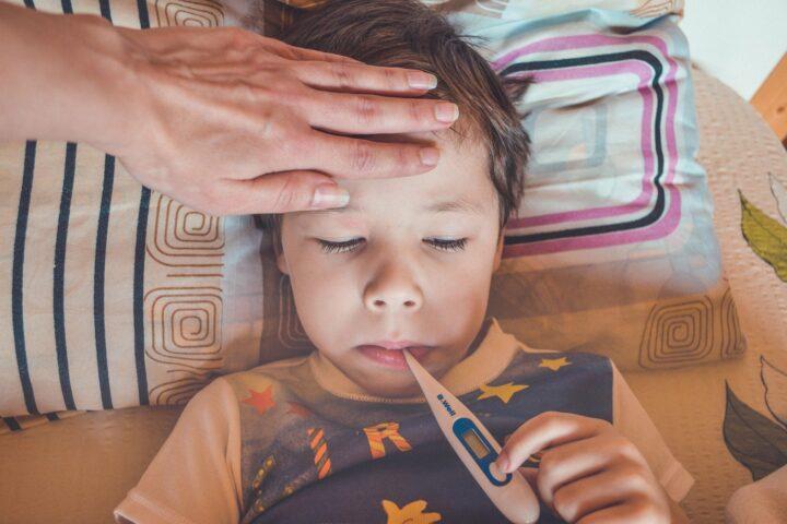 Večorganski vnetni sindrom – simptomi, zdravljenje in posledice