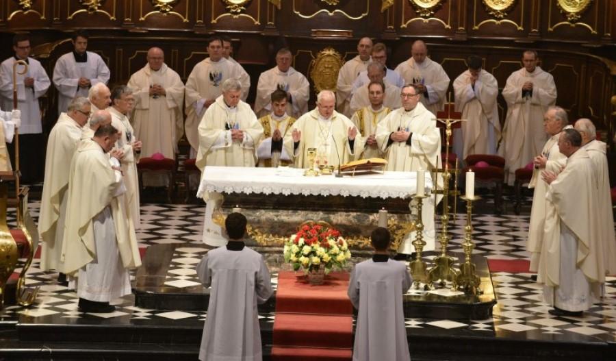 Bogoslužje z navzočnostjo ljudi po naših cerkvah je sporno tudi iz etično-solidarnostnega vidika.