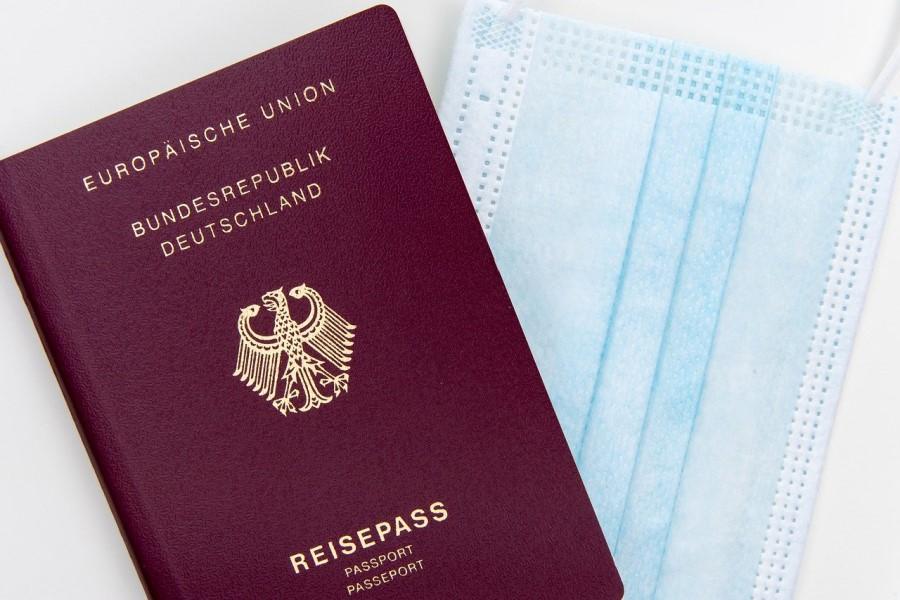 Ne smemo pozabiti, da morajo potovalne agencije po vsem svetu plačati vnaprej.   Vir slike:  Markus Winkler,  Pixabay