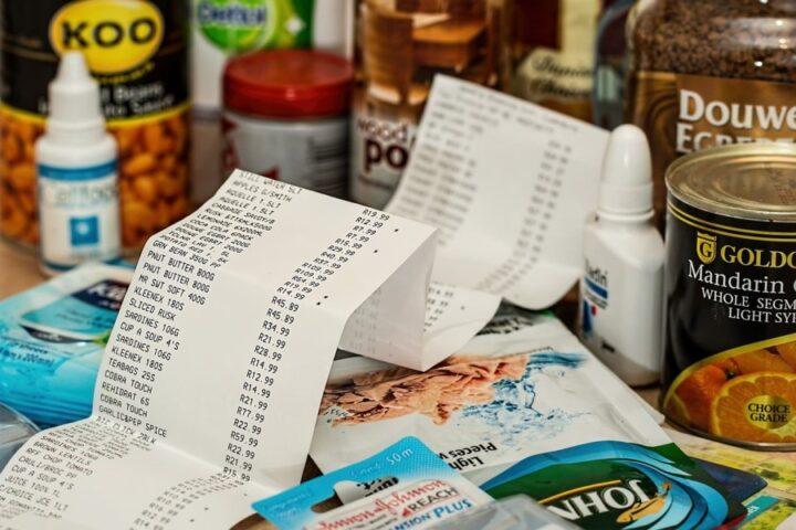 Višja inflacija, višja tudi cena hrane – a ne pri kmetih