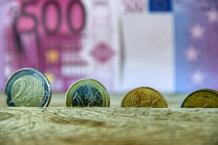 Inflacija - kaj jo povzroča in kako se jo nadzoruje?
