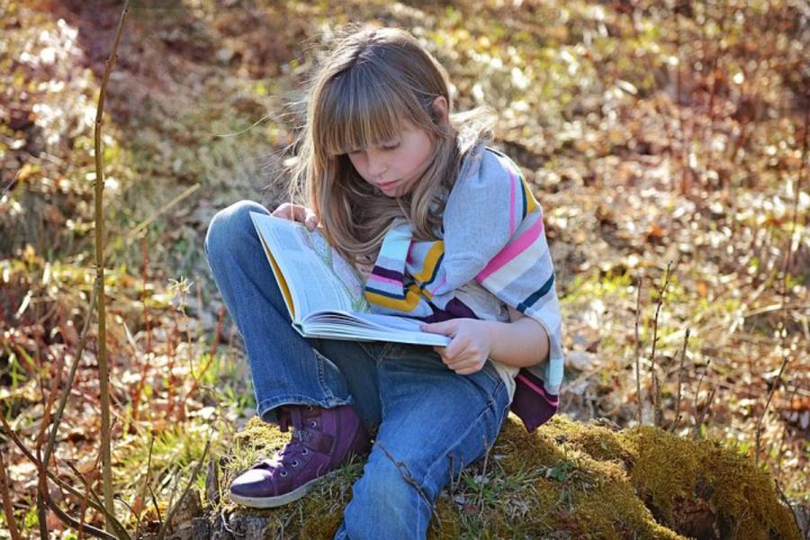 Doživljanje sveta skozi knjige obogati vsakdanji otrokov svet.