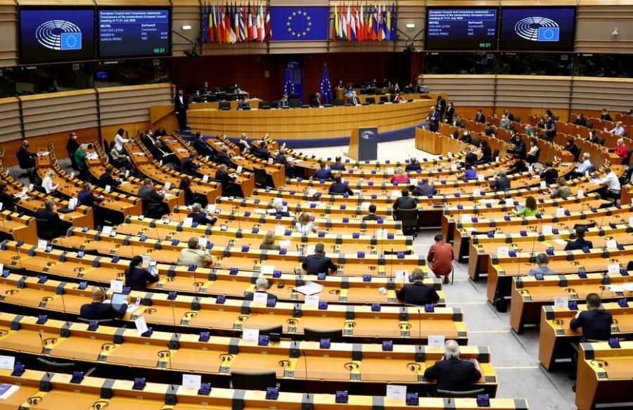 Potem ko je koalicija KUL z neuspešno izglasovano nezaupnico vladi doživela popoln poraz, se je z vso glasnostjo preselila na evropski politični parket.