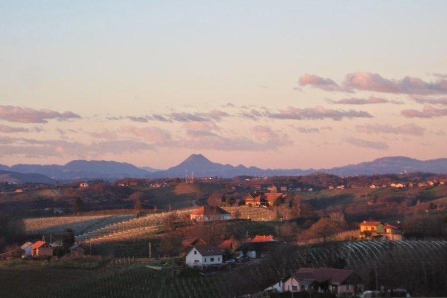 Ormoška planinska pot je dolga okrog 64 km in poteka skozi naselja občin Ormož, Središče ob Dravi in Sveti Tomaž.  Vir slike: pdpaloma.si.