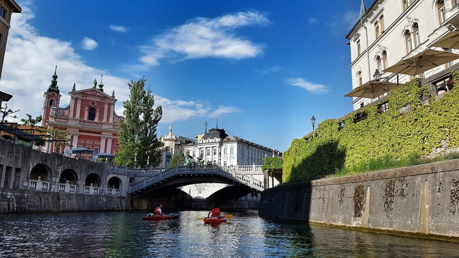 V interventnem zakonu za pomoč turizmu je med drugim predvidena tudi prilagoditev obstoječih ukrepov za podporo slovenskega turizma.