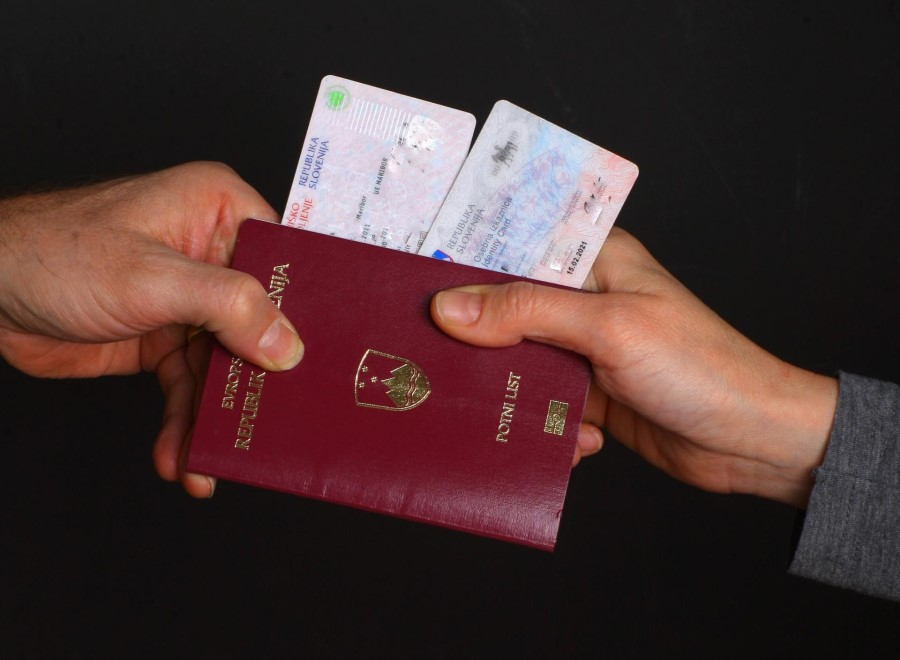 Namen poenotenja izkaznic v vseh državah članicah EU je zagotavljanje varnosti.