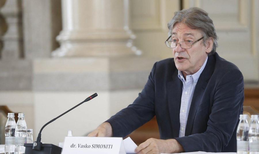 Dr. Vasko Simoniti uspešno zaokrožil trilogijo interpelacij
