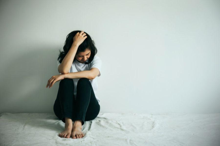 Nasilje je povezano s povečanim tveganjem za poškodbe, depresijo, z anksioznimi motnjami, nenačrtovano nosečnostjo, spolno prenosljivimi boleznimi, vključno z virusom HIV, in številnimi drugimi zdravstvenimi težavami.
