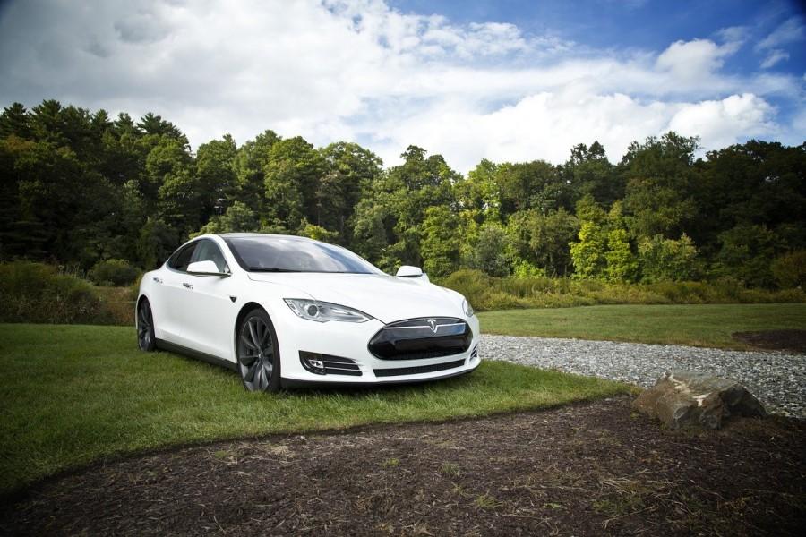 Samovozeči avtomobili pri svojem delovanju uporabljajo umetno inteligenco.
