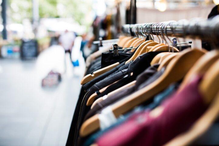 Trgovinska dejavnost utrpela 3,5 milijarde evrov izpada prihodkov