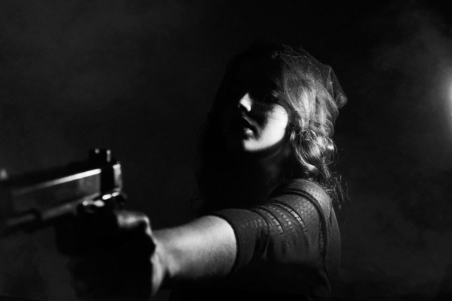 Vedno, ko se zgodi družinska tragedija, pa naj si gre za hudo zanemarjenje, umor/uboj, nasilje, ali pa zgolj »otroka«, ki je na »Darknetu« kupil orožje, ker je želel izvesti strelski obračun, se postavi vprašanje, kako, da tega NIHČE ni prej opazil.
