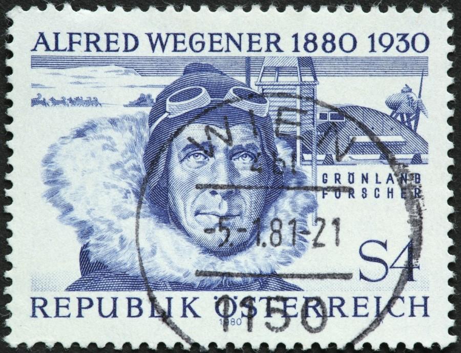 Teorijo o Pangei in o »potovanju celin« je leta 1912 predstavil nemški geofizik Alfred Wegener.