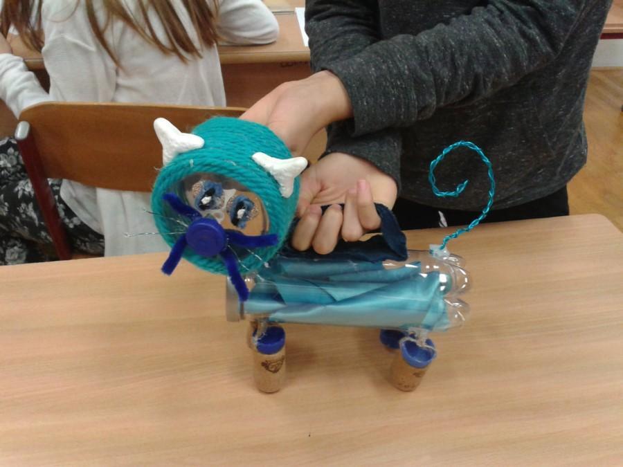 Izdelajte izvirne lutke iz materialov, ki bi jih sicer zavrgli.